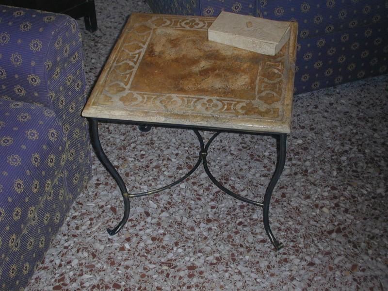 Tavolo modello Pietra Antica finitura Fiore