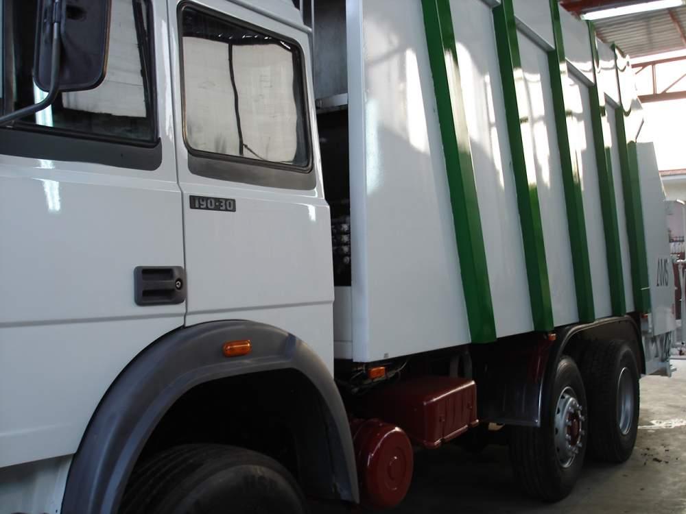 Compro Compattatori per rifiuti IVECO 190.30