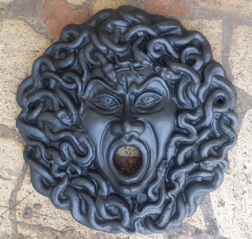 Rosone fontana a parete Medusa Grande cod. LB-R609