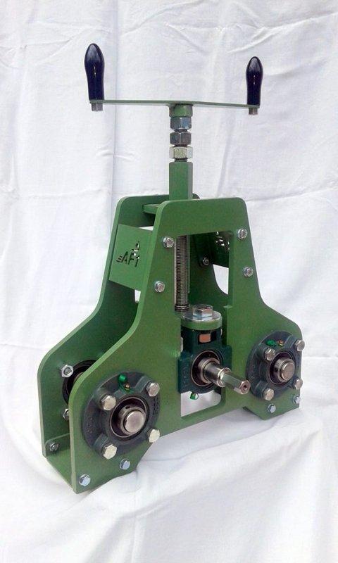 Compro Centinatrice calandra manuale per profilati e tubi
