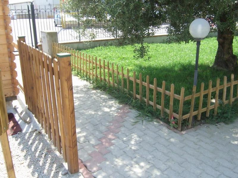 Steccato Per Giardino : Steccato in legno per giardino recinzioni per giardini muro di in