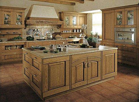 Cucina classica in legno di castagno — Comprare Cucina classica in ...