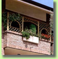 Gazebo Per Terrazze Foto.Gazebo Per Terrazzo Con Griglia Buy In Livorno On Italiano