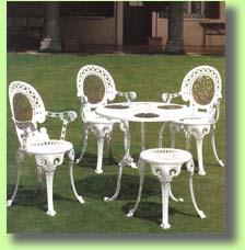 Acquistare Sedie, tavoli, panchine, poltrone e tavoli in alluminio