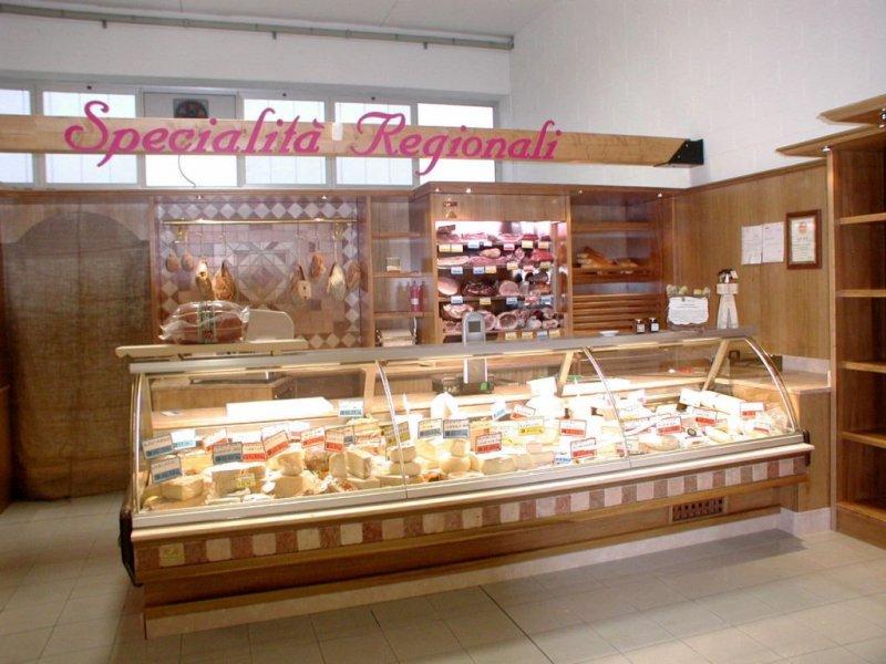 Arredamenti per negozi alimentari e supermarket