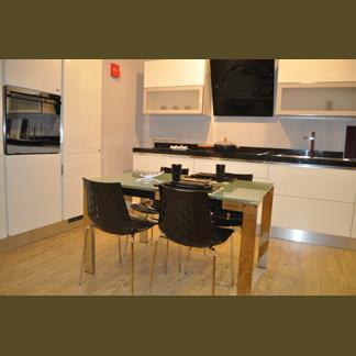 Cucina moderna bianca laccata buy in Olbia on Italiano