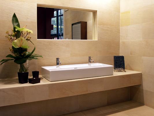 Mobili per bagno, versione doppio lavabo — Comprare Mobili per bagno ...