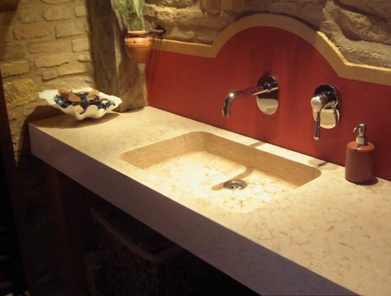 Arredo Bagno Artigianale : Lavello incassato in travertino romano per arredo bagno