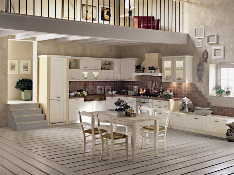 Arredamento Country Italiano.Cucina Country Laccata Decape Buy In Carpineti On Italiano