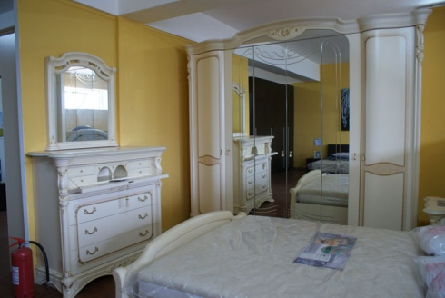 Camera da letto classica bianca buy in Palmi on Italiano