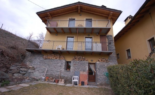 Compro Appartamento in Vendita a Aosta - 4 locali