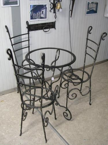 Tavolo e sedie in ferro battuto buy in Sondrio on Italiano