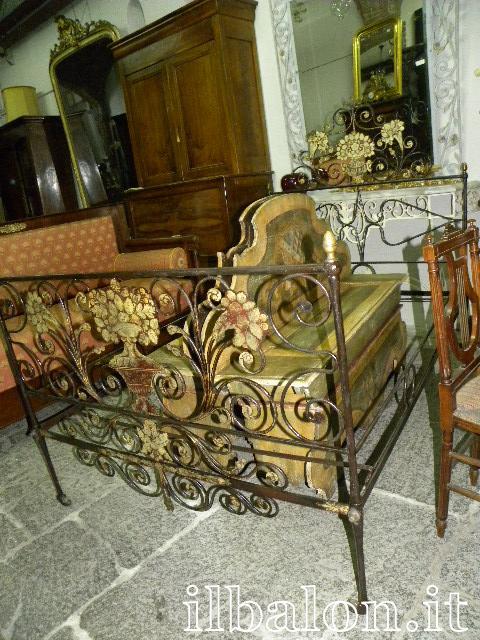 Antico letto in ferro battuto epoca 700 Genovese ...