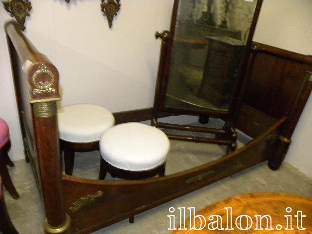 Antico letto a barca Impero ad una piazza bronzi dorati Parigi oyy ...