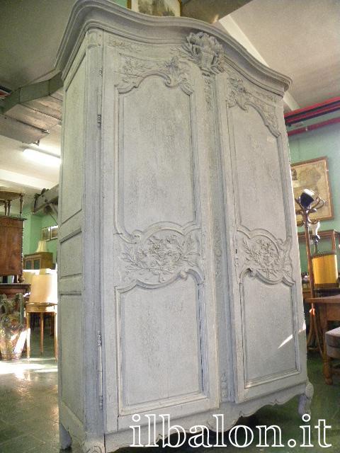 Antico armadio del 700 laccato Provenzale country chic