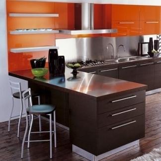 Cucina con penisola dal design accativante comprare for Penisola da cucina