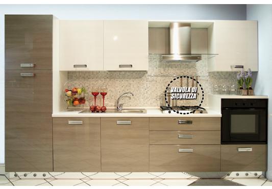 Cucina in legno buy in Cervere on Italiano