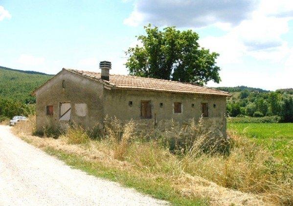 Compro Rustico / Casale in Vendita a Cortona