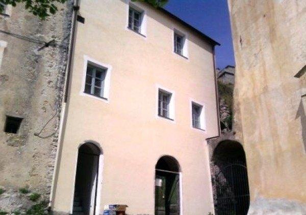 Compro Casa indipendente in Vendita a Castelvecchio Di Rocca Barbena - 180 m²