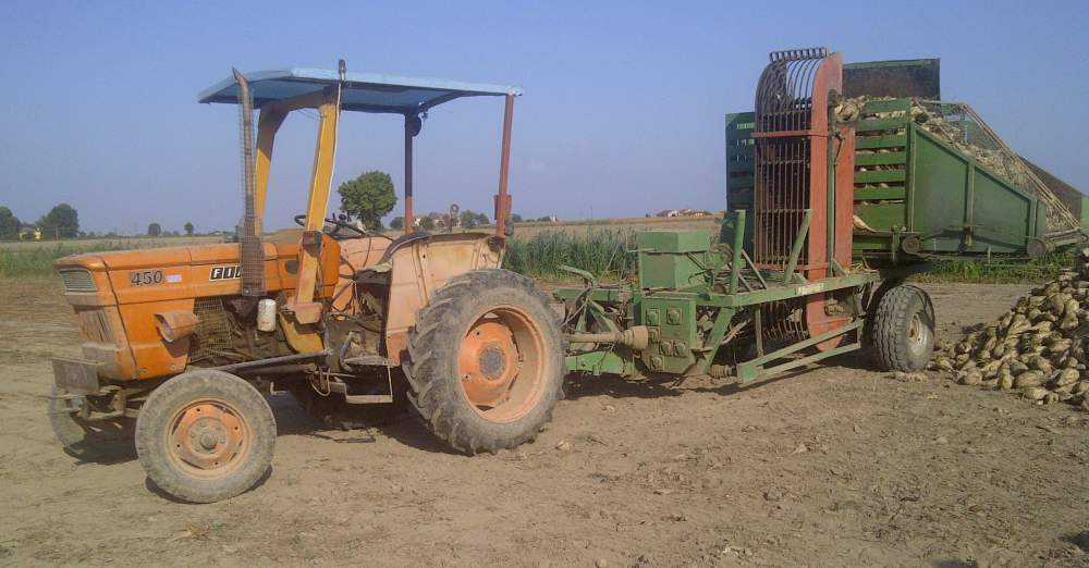 Towed Beet Harvesting And Stacking Machine