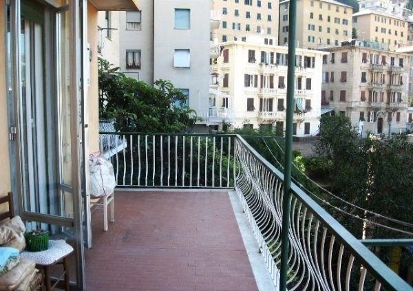 Appartamento in Vendita a Genova - più di 5 locali