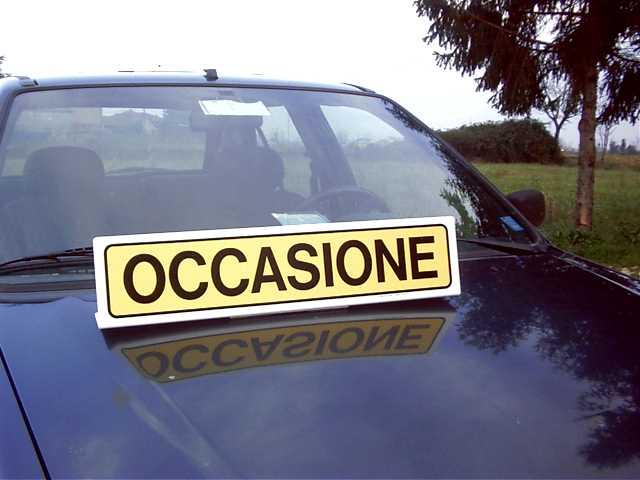 Acquistare Tabelle e cartelli magnetici personalizzati per auto, da applicare sulle portiere o sul tetto