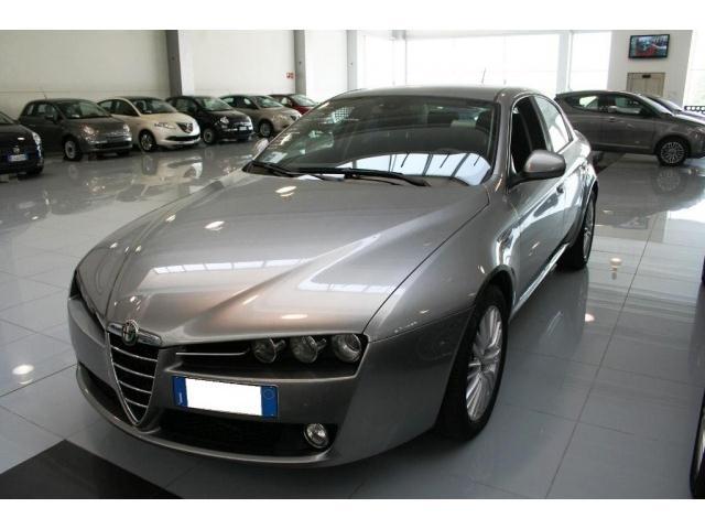 Acquistare Automobile Alfa Romeo 159 3.2 JTS