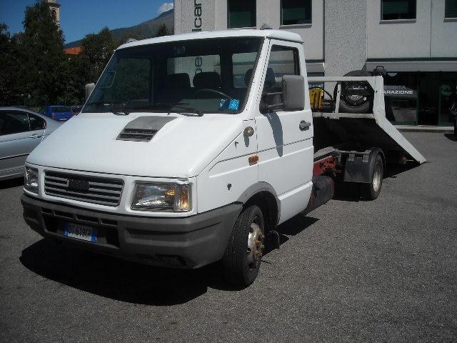 Acquistare Autocarro Iveco Daily