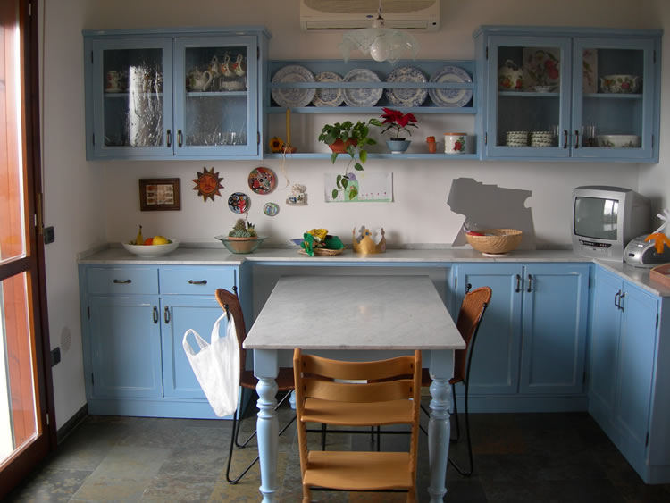 Awesome Cucina Country Prezzi Contemporary - bakeroffroad.us ...
