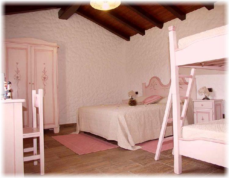 Camera Letto Rosa : Camera da letto rosa buy in olbia on italiano