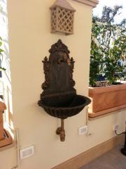 Fontana a parete liberty con vasca mod. Petalo