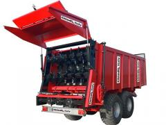 Manure spreader, muck spreader