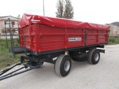 Tractor, agricultural trailer, feeding system