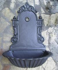 Fontana a muro Liberty in alluminio con vasca modello petallof
