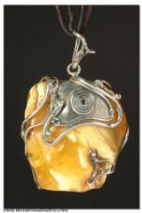 Ciondolo in ambra naturale