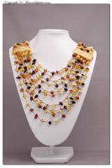 Collana multifilo in ambra baltica