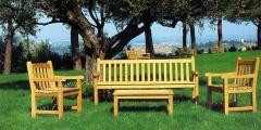 Mobili in legno da giardino