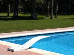 Trampolino per piscina