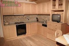 Cucina personalizzata in legno di frassino