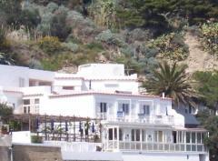 Villa in Vendita a Serrara Fontana