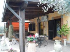 Casa indipendente in Vendita a Roma - 92 m²
