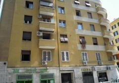 Appartamento in Vendita a Roma -  2 locali