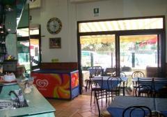 Bar in Vendita a Roma - 100 m²