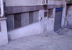 Magazzino in Vendita a Roma - 550 m²