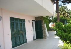 Villa in Vendita a Albissola Marina - 225 m²