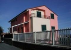 Appartamento in Vendita a Ceriale - 3 locali