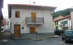 Casa indipendente in Vendita a Calizzano - 97 m²