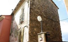 Casa indipendente in Vendita a Follo - 54 m²