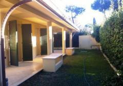 Casa indipendente in Vendita a Forte Dei Marmi -