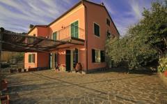 Casa indipendente in Vendita a Bonassola - 450 m²